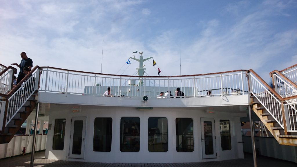 甲板のサンデッキ
