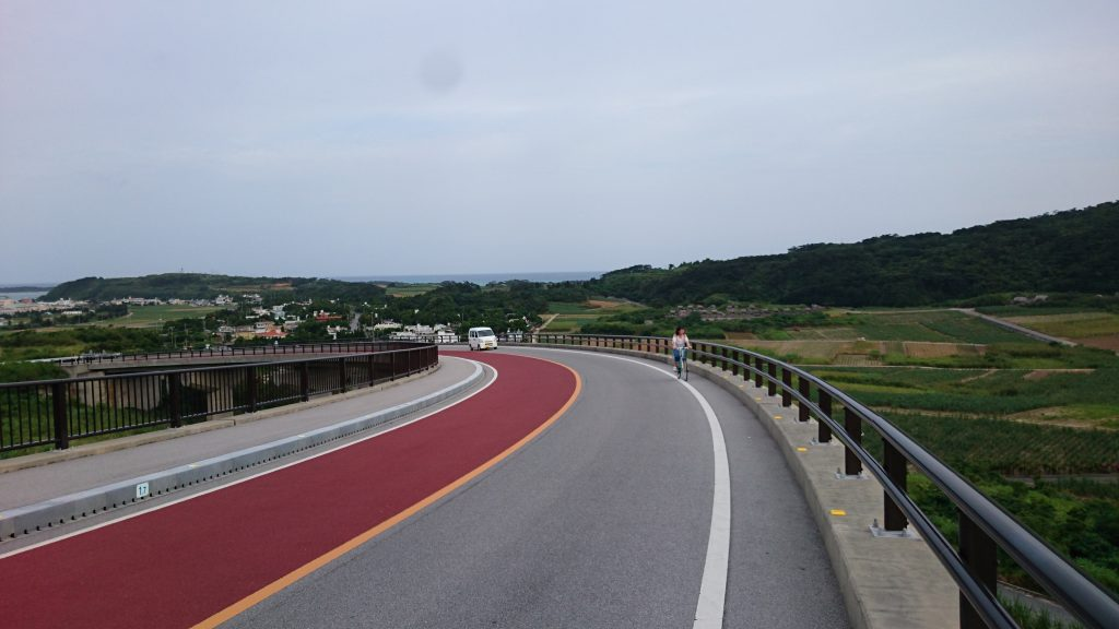 久米島 県道242号線climb