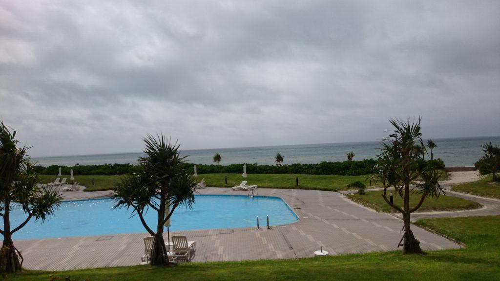イーフビーチホテル プールサイド