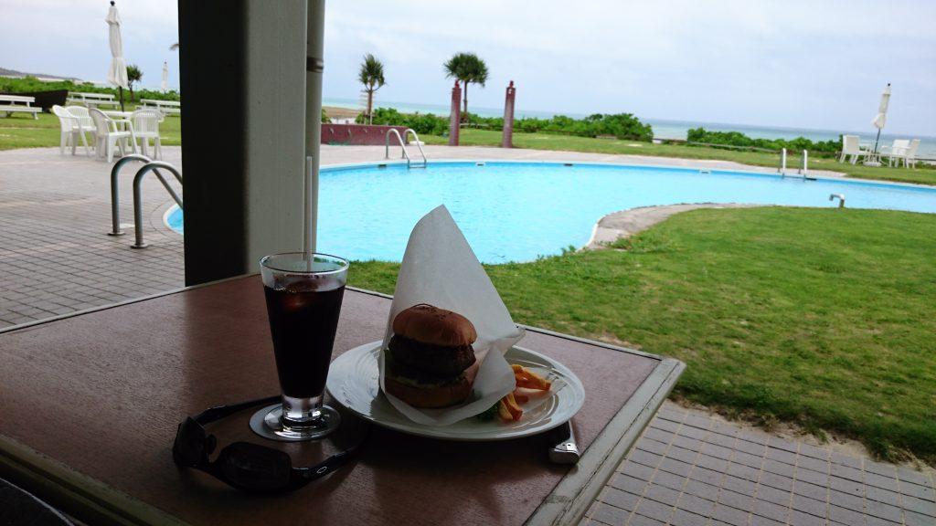 イーフビーチホテルのカフェ