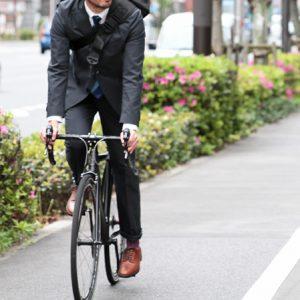 自転車通勤の服装選び。機能性×ファッションのおすすめウェア3選