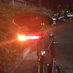 心配性ローディ必見のリアライトNUBEAM!ウィンカー&盗難防止アラームで今日から安心。