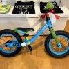 GIANTのキックバイクPRE PUSH BIKEの子ども感がちょうど良い。おもちゃ感とモノの魅力のバランスが秀逸。
